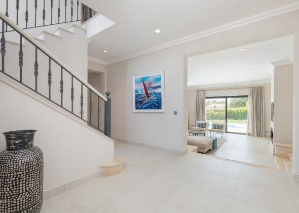 Casa Sunscape, 906 Dunas hallway