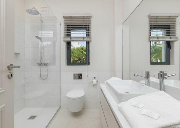 Casa Sunscape, 906 Dunas Douradas shower room