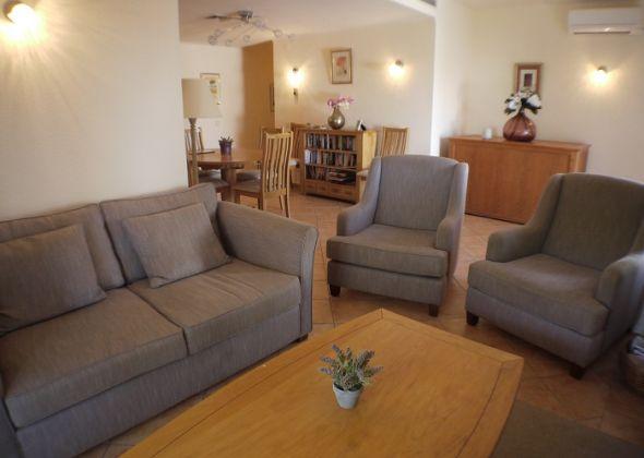 879ab vale do lobo living room