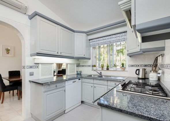 Villa Petra, 407 dunas kitchen