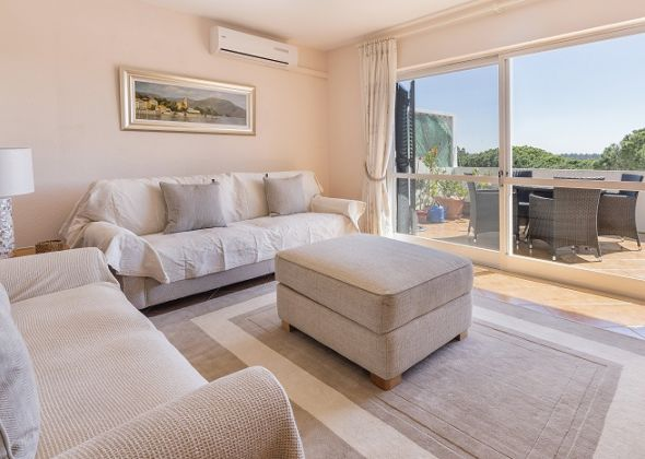 2 bedroom 305 Val Verde