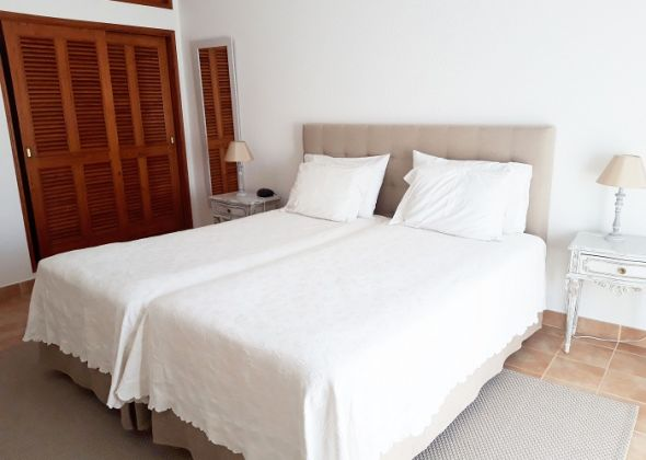 apartment 854d vale do lobo bedroom