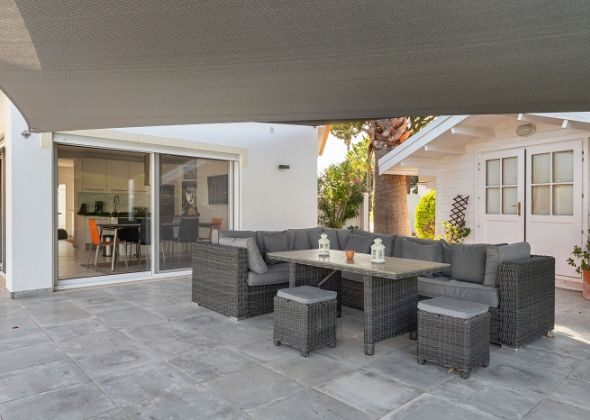Villa Sola, 113 Dunas Douradas outdoor lounge area