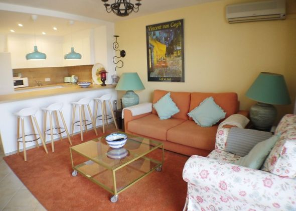 310 val verde lounge