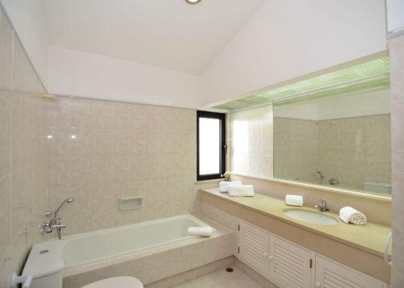 Villa Loro, 603 Dunas en-suite bathroom