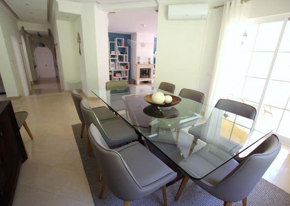 Villa Roselle, 914 Dunas Douradas dining area