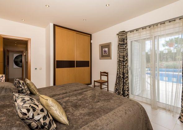 Villa Swakeleys, 1 Val Verde, bedroom