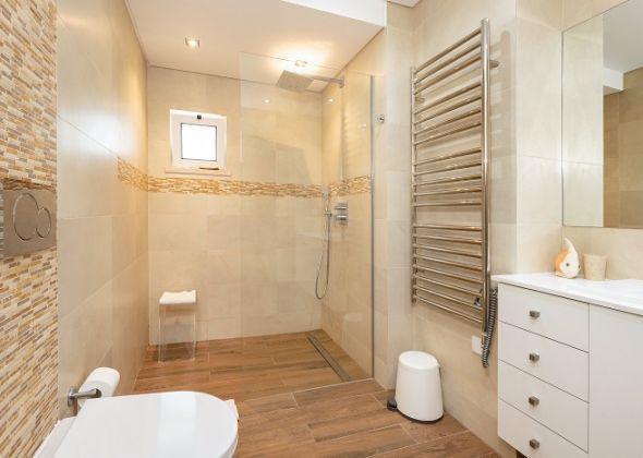 Villa Sola, 113 Dunas Douradas shower room
