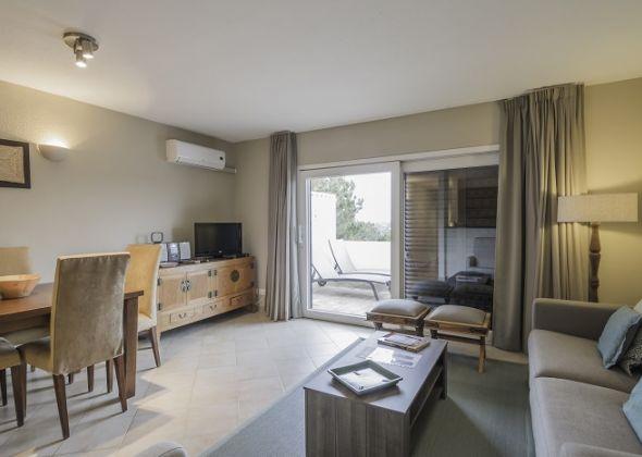 1 bedroom 309 Val Verde