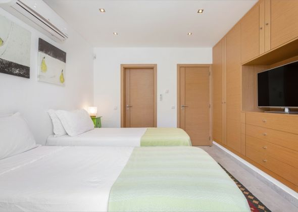 Villa Sola, 113 Dunas Douradas bedroom
