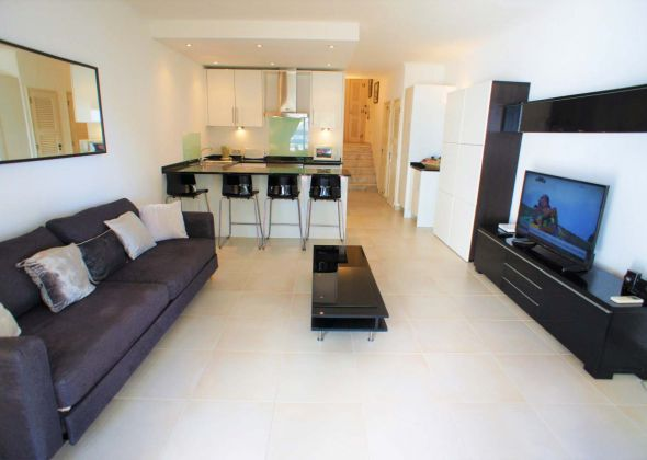 637BB Vale do Lobo living/dining area