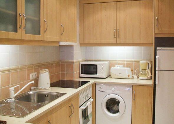 vale do lobo apartment 854d kitchen