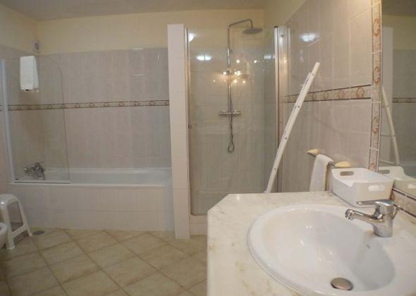 204 val verde bathroom