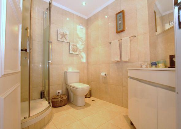apartment 313d dunas douradas bathroom