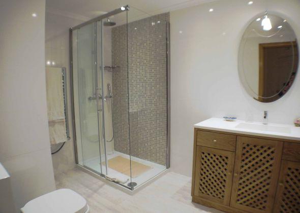 879ab vale do lobo shower room