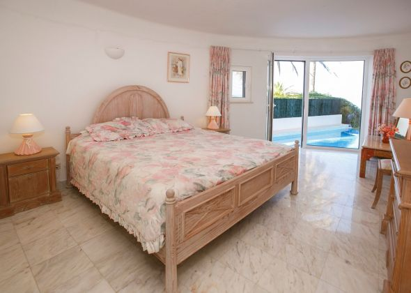 017 vale do lobo bedroom