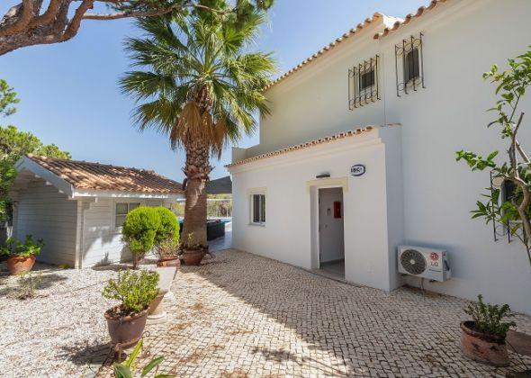 Villa Sola, 113 Dunas Douradas exterior