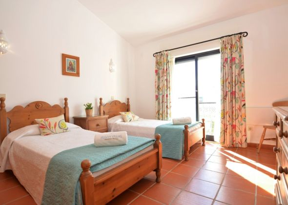 Villa Loro, 603 Dunas twin bedroom