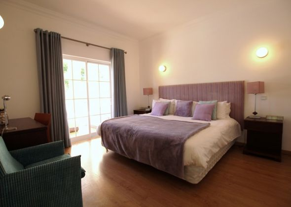 Villa Roselle, 914 Dunas Douradas ground floor double bedroom