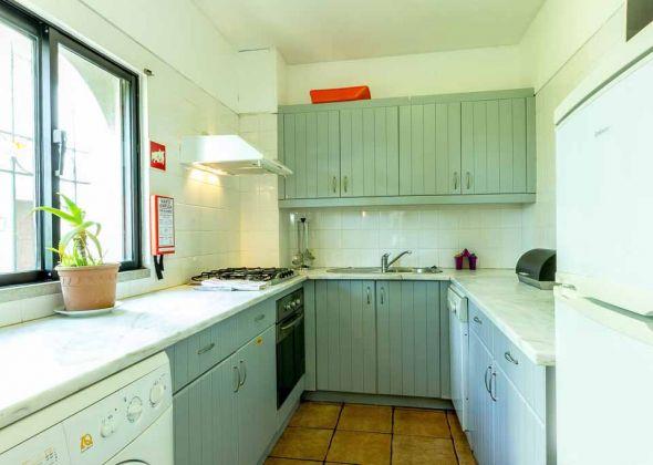 Dunas Douradas apartment 303a kitchen