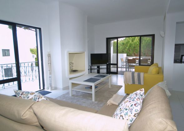 apartment vale do lobo 941b living area
