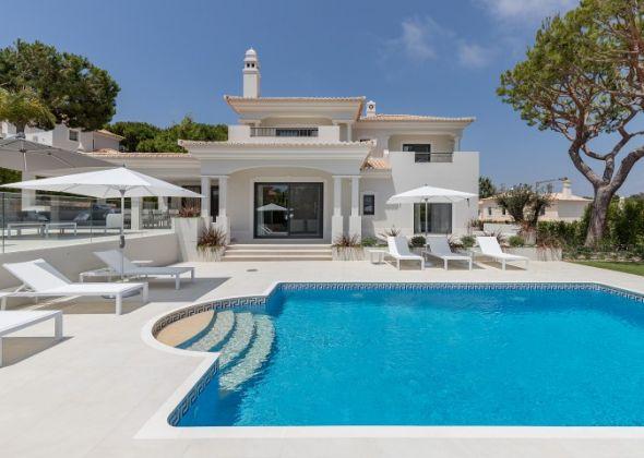 Casa Sunscape, 906 Dunas exterior and pool