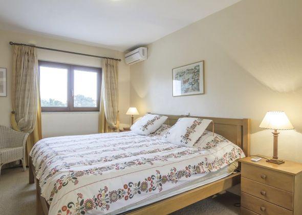 1 bedroom 205 Val Verde