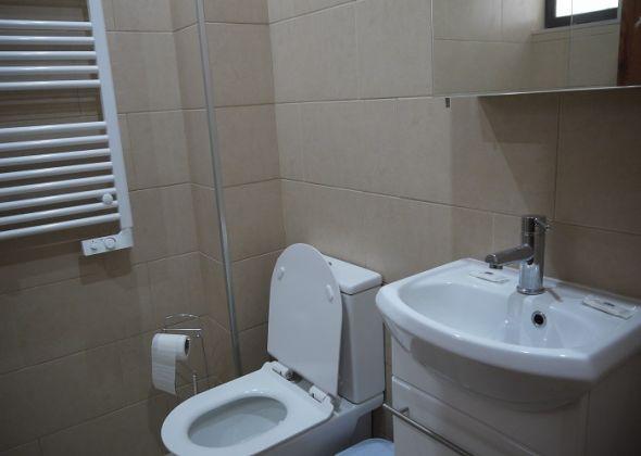 107 dunas douradas shower room