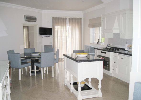 Casa Mataluka, Quinta do Lago, kitchen area