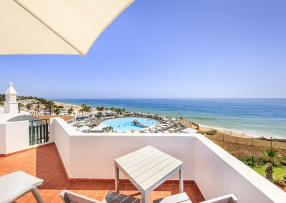 004 vale do lobo roof terrace view