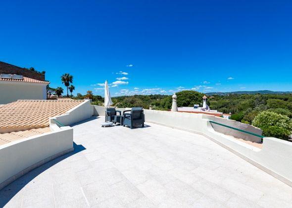 Villa Swakeleys, Val Verde roof terrace
