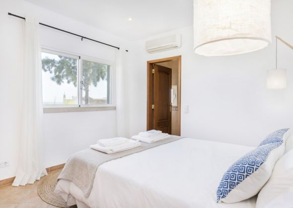 9 vale do lobo bedroom