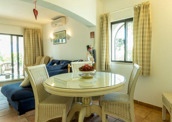 Dunas Douradas apartment 303a dining