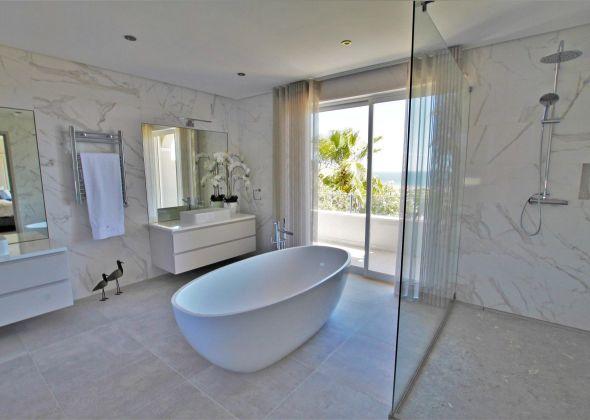 Villa Atlantico, 43 Encosta do Lobo master double en-suite bathroom