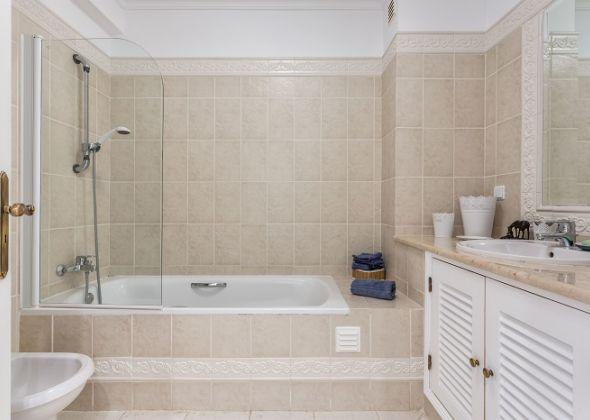 640 dunas douradas bathroom