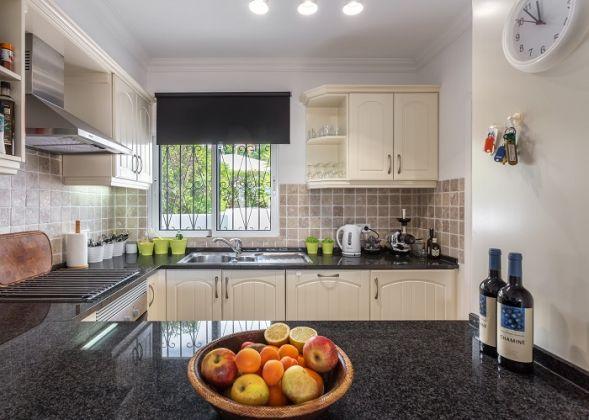 640 dunas douradas kitchen