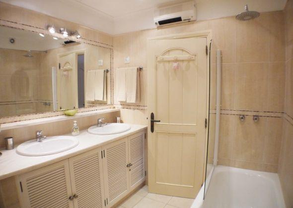 208 dunas douradas bathroom